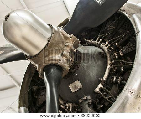 World War II airplane cowling
