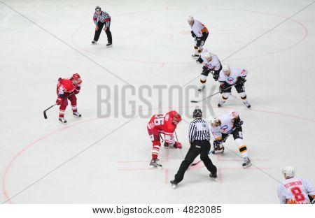 Hokey Players On Ice