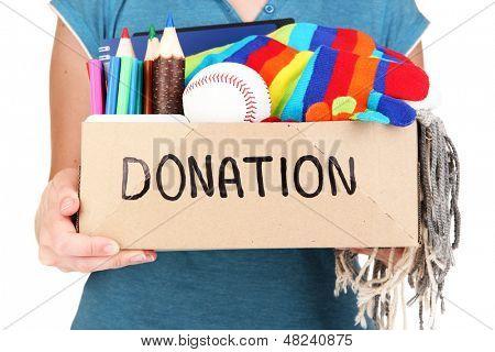 Caixa de doação isolada no branco