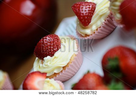 Fresh Strawberry And Vanilla Cupcakes
