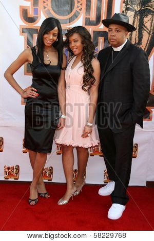 Reverend Run with daughters Vanessa and Angela arriving at the 21st Annual Soul Train Music Awards. Pasadena Civic Auditorium, Pasadena, CA. 03-10-07