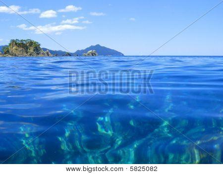 Very quiet water, divers' view