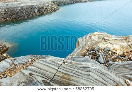 Striped Stone Near Reservoir Storglomvatnet (meloy, Norge)