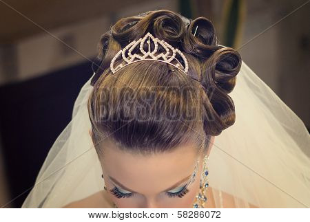 Beautiful Hairdress For The Bride