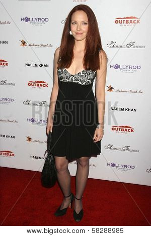 Amy Yasbeck at the DESIGNCARE 2007 Fundraiser to benefit those battling debilitating disease and life circumstances. Private Residence, Malibu, CA. 07-21-07