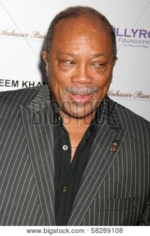 Quincy Jones at the DESIGNCARE 2007 Fundraiser to benefit those battling debilitating disease and life circumstances. Private Residence, Malibu, CA. 07-21-07