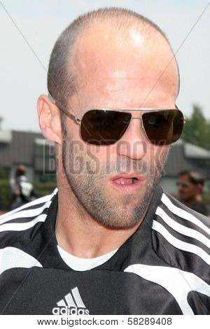 Jason Statham at the Soccer for Survivors Celebrity Showcase Match. Beverly Hills High School, Beverly Hills, CA. 07-22-07