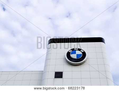 Bmw Automobile  Dealership Exterior