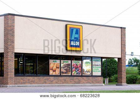 Aldi Supermarket Exterior