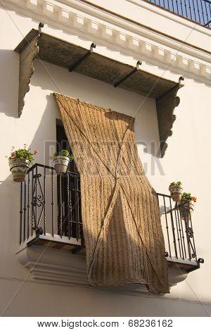 Balcony With Esparto Blind