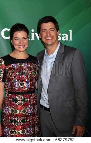 LOS ANGELES - JUL 13:  Casey Wilson, Ken Marino at the NBCUniversal July 2014 TCA at Beverly Hilton on July 13, 2014 in Beverly Hills, CA