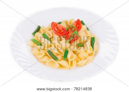 Pasta shells with vegetables