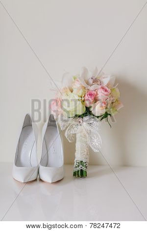Wedding Bouquet  With Orchids And Roses And Weddind Bride's Shoes