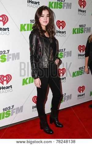 LOS ANGELES - DEC 5:  Hailee Steinfeld at the KIIS FM's Jingle Ball 2014 at the Staples Center on December 5, 2014 in Los Angeles, CA