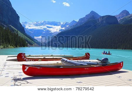 Canoes on beautiful turquoise Lake Louise