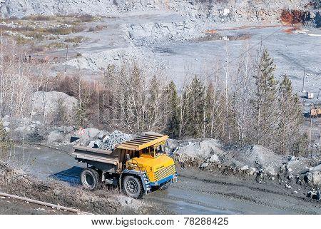 Rock handler transports stones