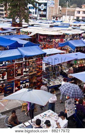Plaza de Pochos, popular Otavalo market, Ecuador