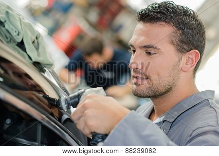 Buffering a customer's car