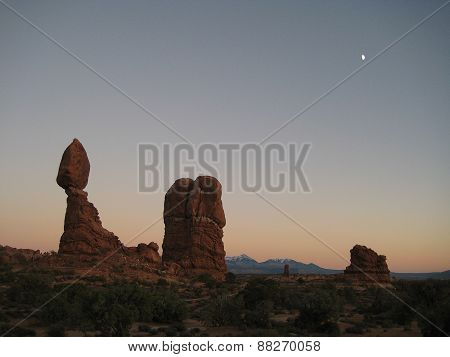 Arches at dawn (Utah, USA), looking like Star Wars desert.