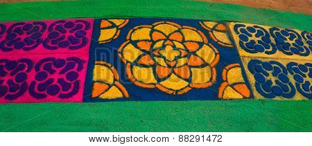 Lent colored cedar sawdust carpets