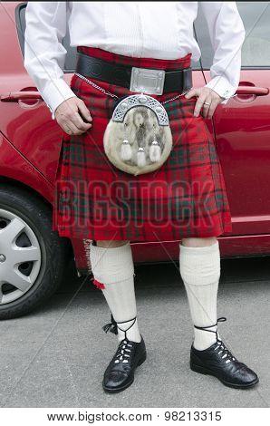 Lower body shot of a Scotsman wearing a kilt