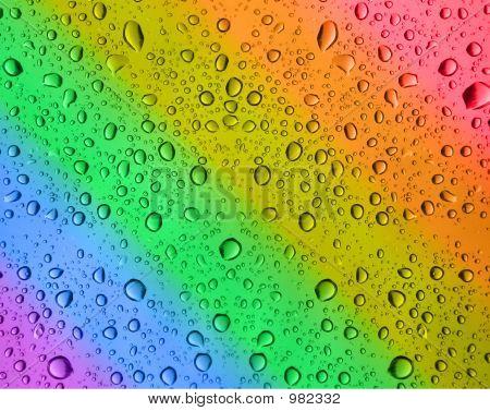 Regenbogen-Wassertropfen