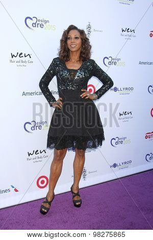 LOS ANGELES - AUG 8:  Holly Robinson Peete at the 17th Annual HollyRod Designcare Gala at the The Lot on August 8, 2015 in West Hollywood, CA
