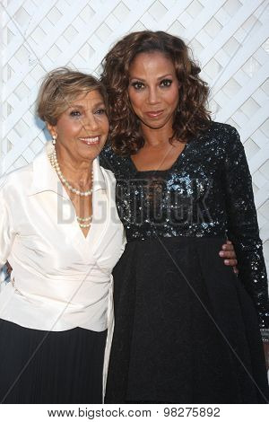 LOS ANGELES - AUG 8:  Delores Robinson, Holly Robinson Peete at the 17th Annual HollyRod Designcare Gala at the The Lot on August 8, 2015 in West Hollywood, CA