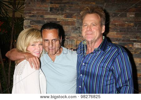 LOS ANGELES - AUG 8:  Maura West, Maurice Bernard, Kin Shriner at the General Hospital Fan Club Luncheon Arrivals at the Embassy Suites Hotel on August 8, 2015 in Glendale, CA