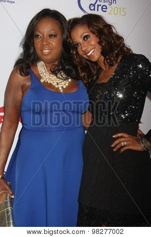 LOS ANGELES - AUG 8:  Star Jones, Holly Robinson Peete at the 17th Annual HollyRod Designcare Gala at the The Lot on August 8, 2015 in West Hollywood, CA