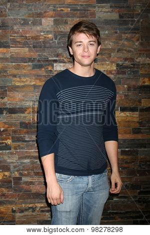 LOS ANGELES - AUG 8:  Chad Duell at the General Hospital Fan Club Luncheon Arrivals at the Embassy Suites Hotel on August 8, 2015 in Glendale, CA