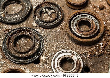 Five old bearings