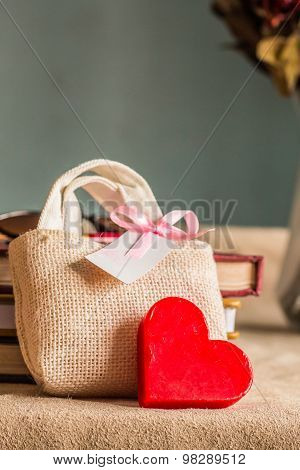 Gift And Heart For Mom