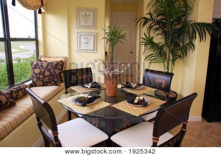 Cozy Breakfast Nook