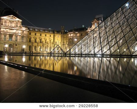 Louvre Pyaramids at Night; 22/09/07