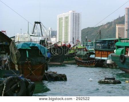 Aberdeen, Hong Kong: Tradition Versus Progress