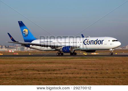 Condor Boeing B767-300 (er)