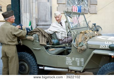 American Soldiers Seniors Military Vehicle Discussion