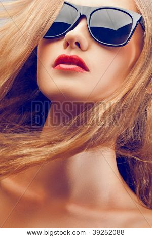 beautiful woman portrait wearing sunglasses