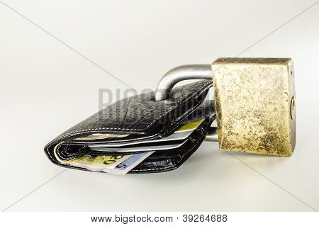 Wallet with cash notes and cards Brazilian padlocked.