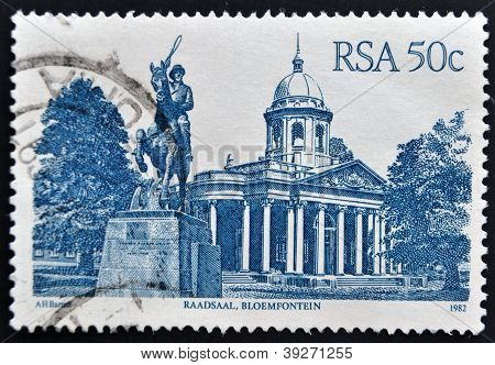 SOUTH AFRICA - CIRCA 1982: A stamp printed in RSA shows Raadsaal Bloemfontein circa 1982