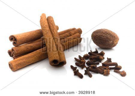Nutmeg Cinnamon And Cloves