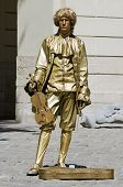 Living Statue - The Man In The Image Of The Musician
