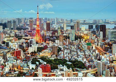 Paisaje urbano de Tokio, Japón en la torre de Tokio.
