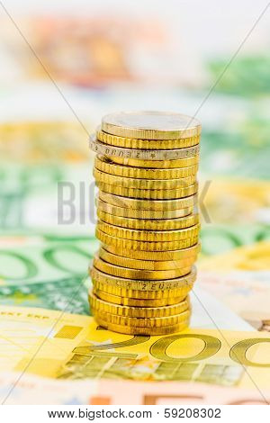 single stack of coins, symbolic photo for financial planning, investment, investment