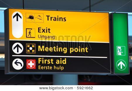 Airport-train terminal sign