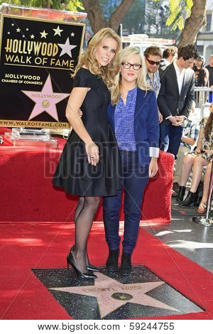 LOS ANGELES - JAN 29: Cheryl Hines, Rachael Harris at a ceremony as Cheryl Hines is honored with 2,516th Star on the Hollywood Walk of Fame on January 29, 2014 in Los Angeles, CA