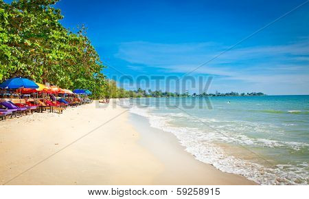 Beautiful tropical Independence beach in Sihanoukville, Cambodia .
