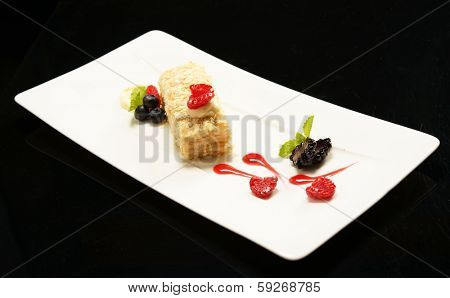 Napoleon puff tort with fresh  fruits