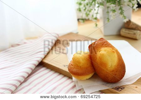 French small shell cake (Madeleine)